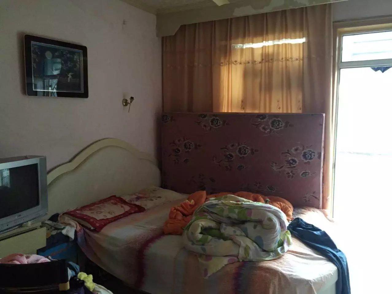 前锋电力村两室一厅简装,家具家电齐全,_2