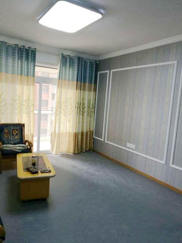 英伦联邦3房2厅99平高层学区房
