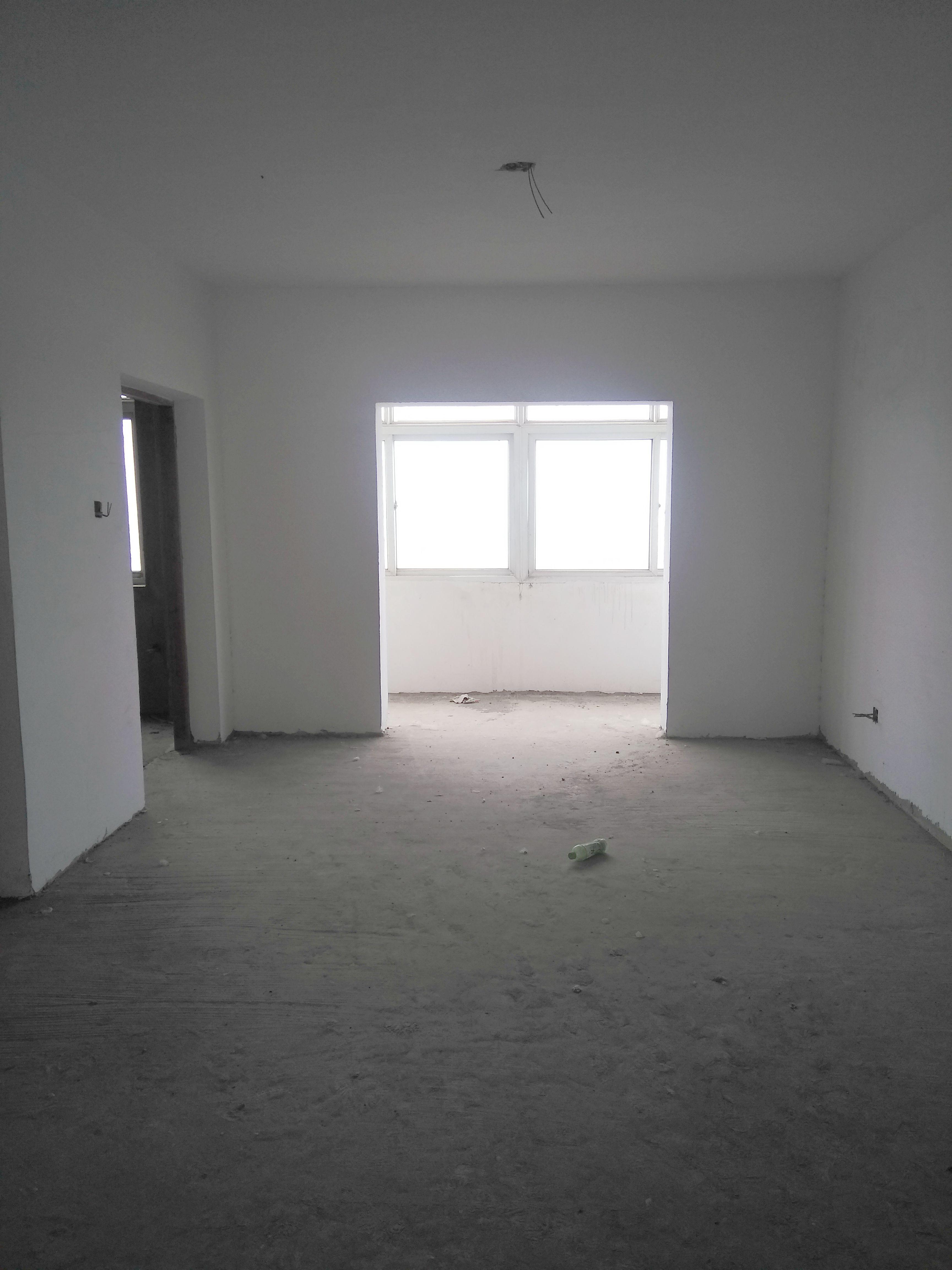 绿苑山庄 3室2厅 新毛坯房