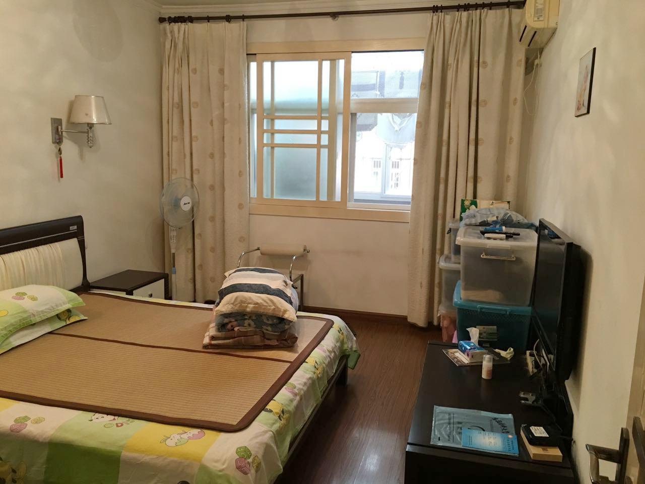 颐园北村三室两厅精装好房出售_3