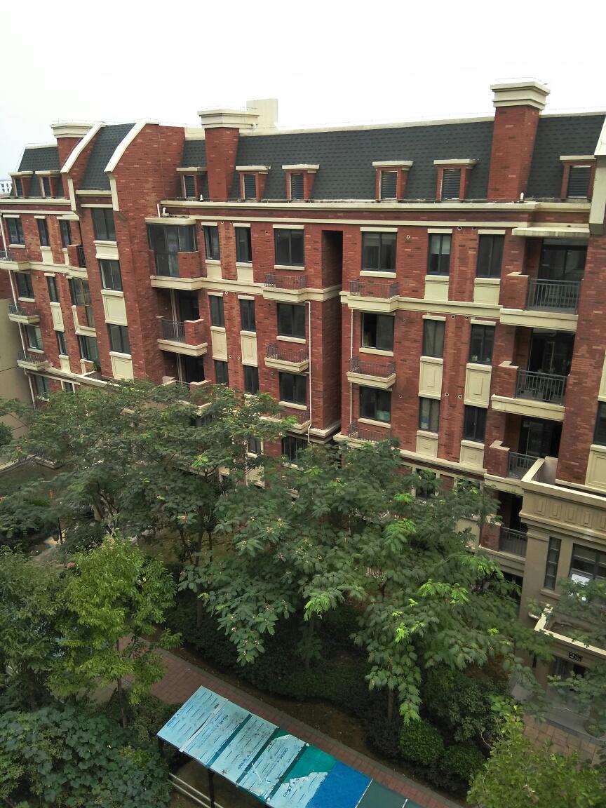 英伦联邦4室2厅1厨2卫1阳台125.42平米_10