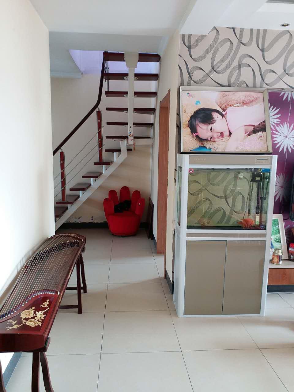 世纪花园  4室2厅1厨2卫4阳台136平米