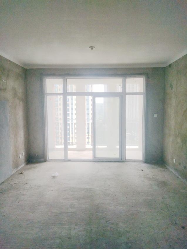 金域蓝湾三室两厅毛坯房南北通透加送车位好房急售