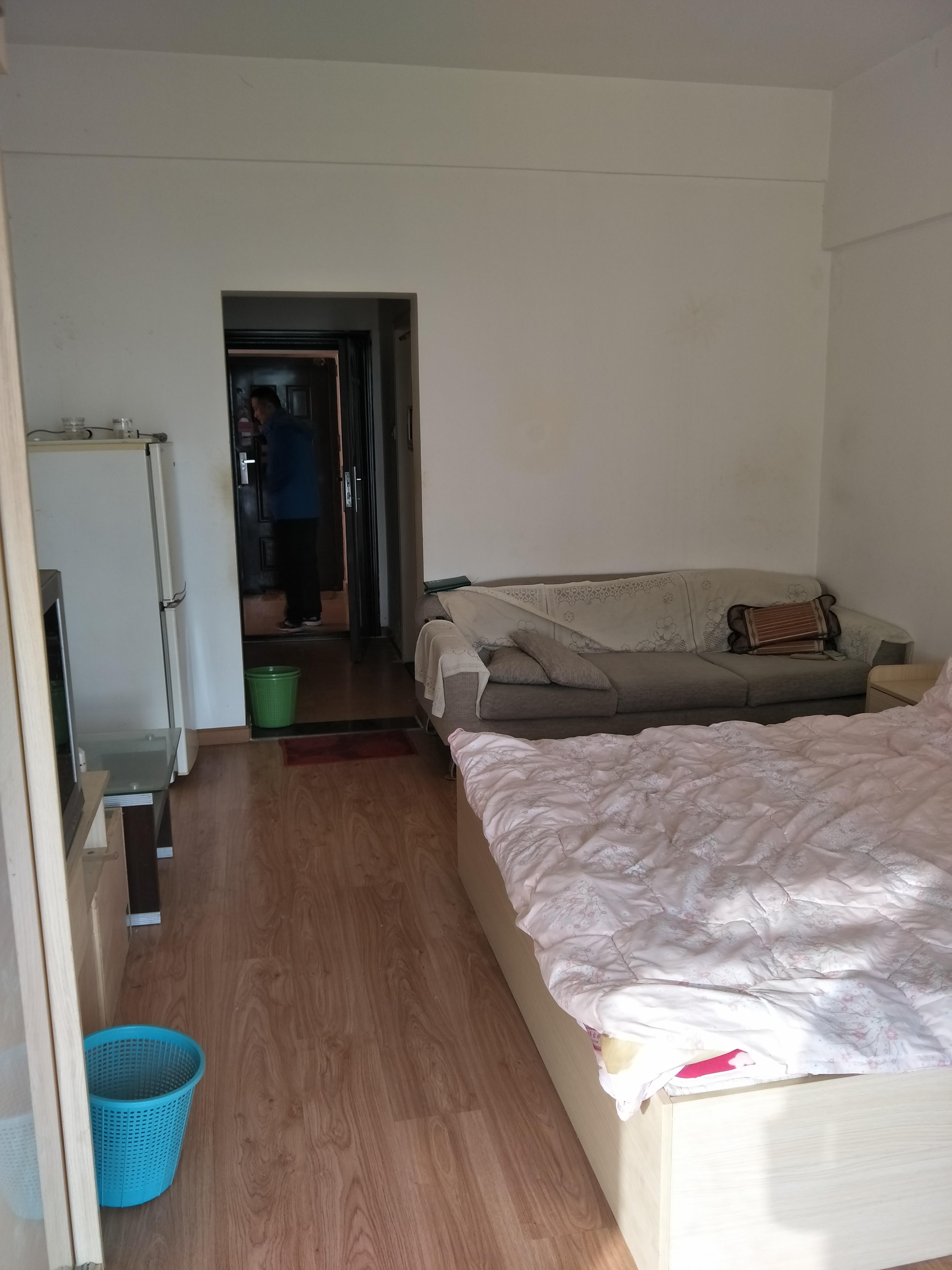 金地国际城A区42平米小公寓出租_3