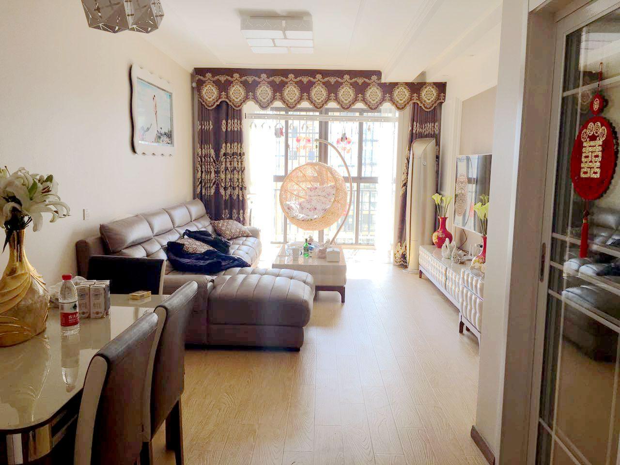 泉山湖香颂小镇一期99平米3室精装房出售