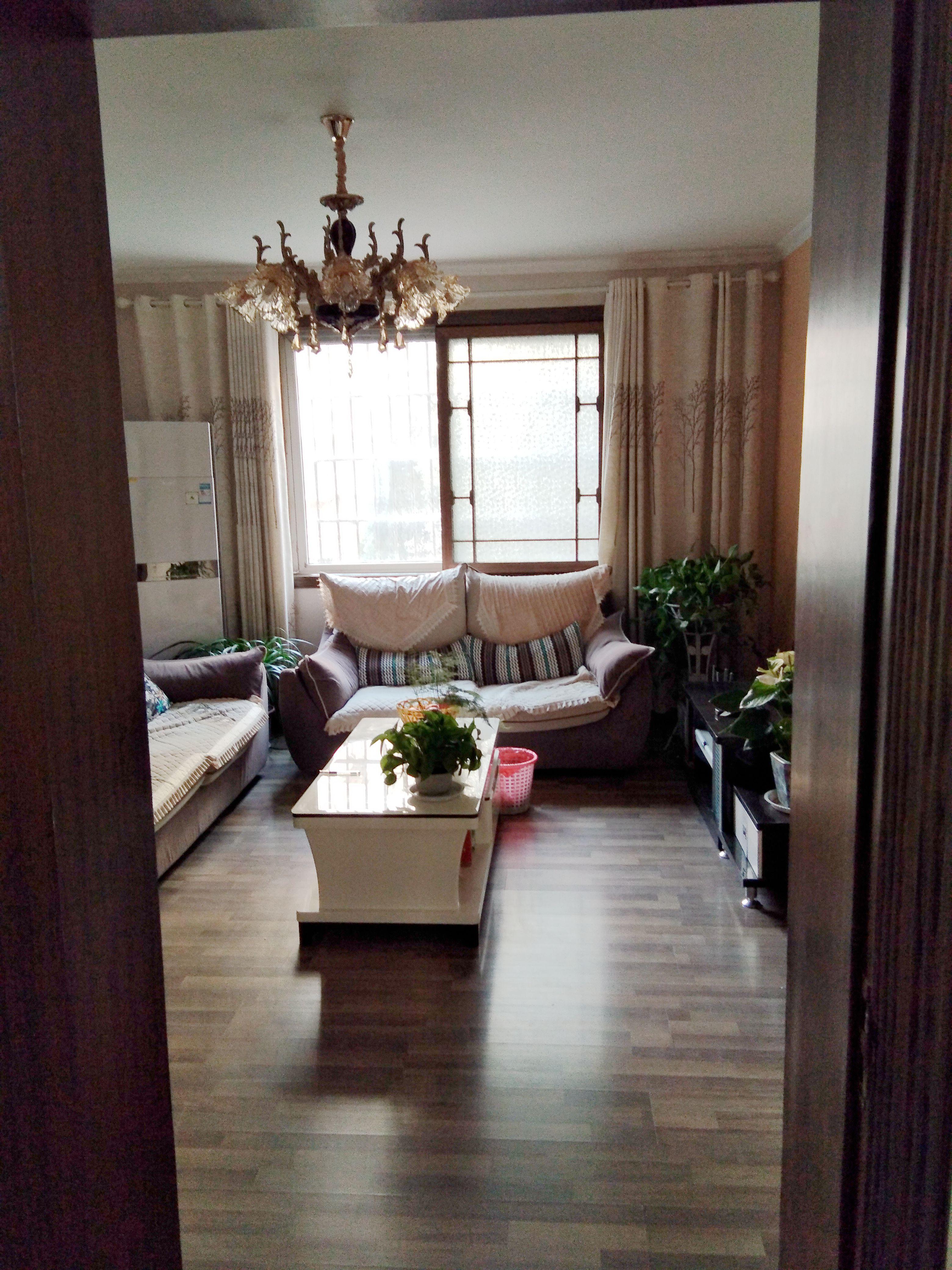 钟山园 105平米多层精装 大三房 户型朝南采光好 稀缺出售