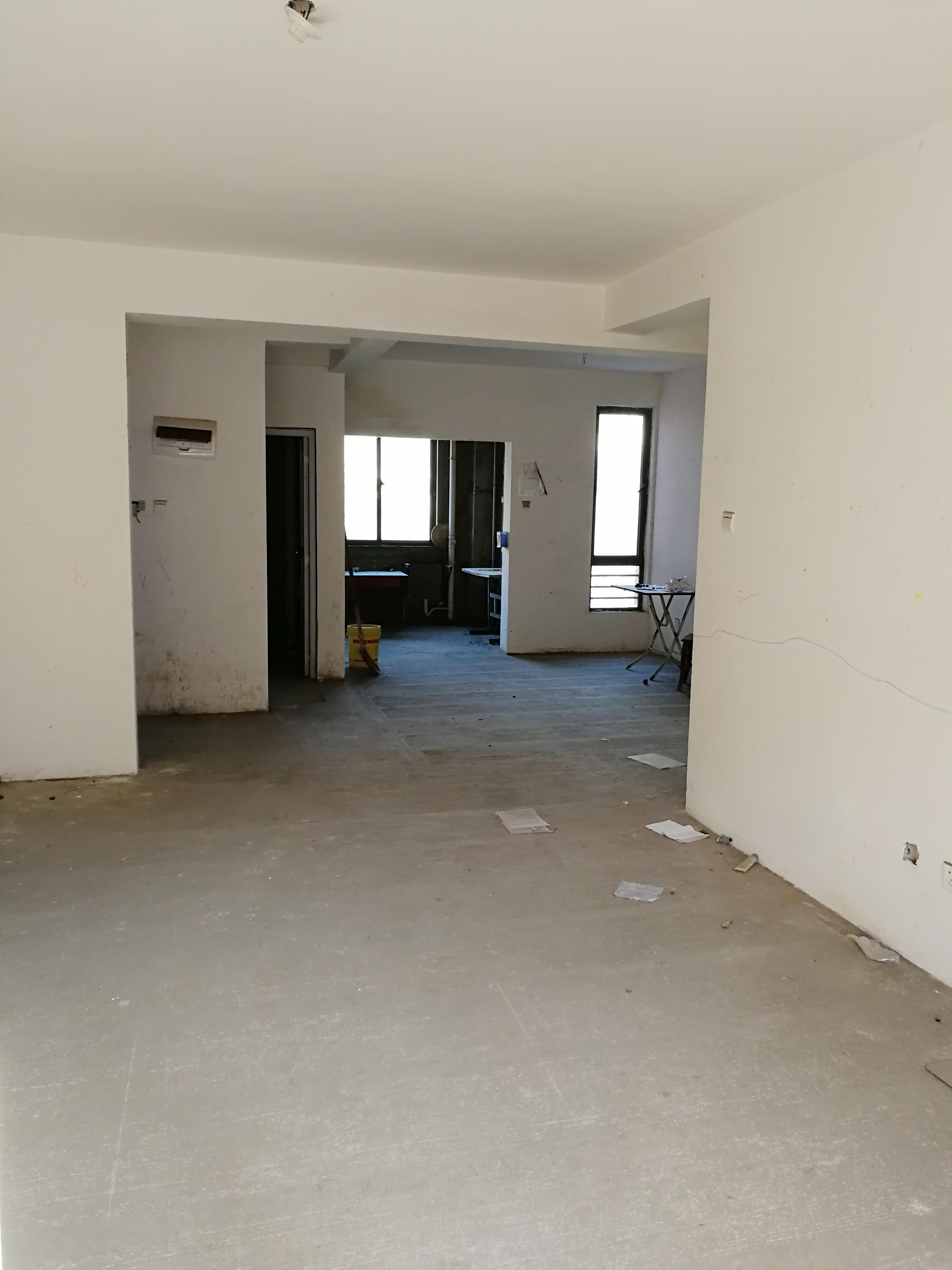 山南印象 127平米毛坯 三房两厅 好房出售