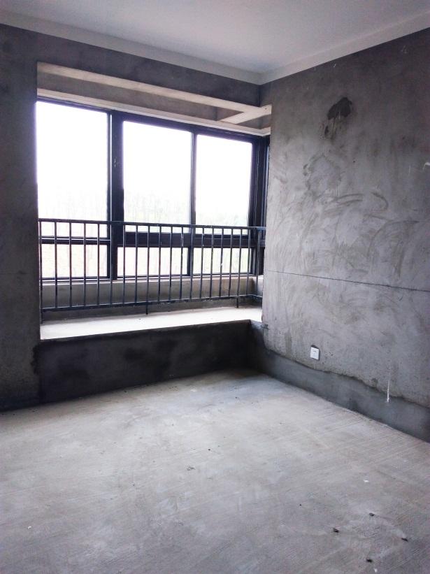 香颂小镇二期全新毛坯房2室2厅急售