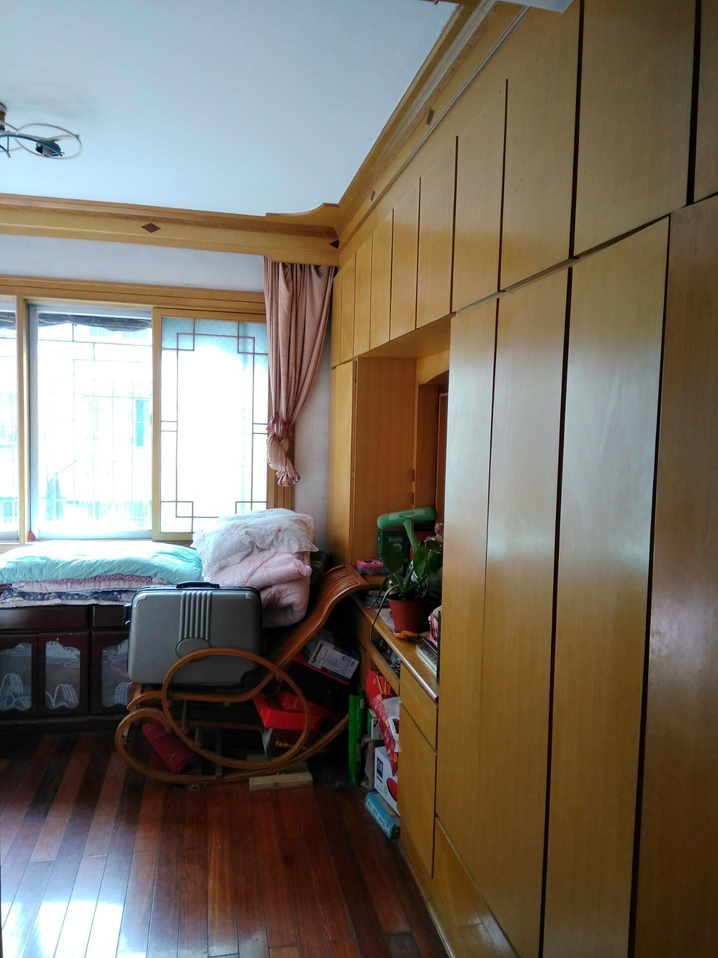 龙泉北村2室2厅98.65平米多层3楼简装房急售