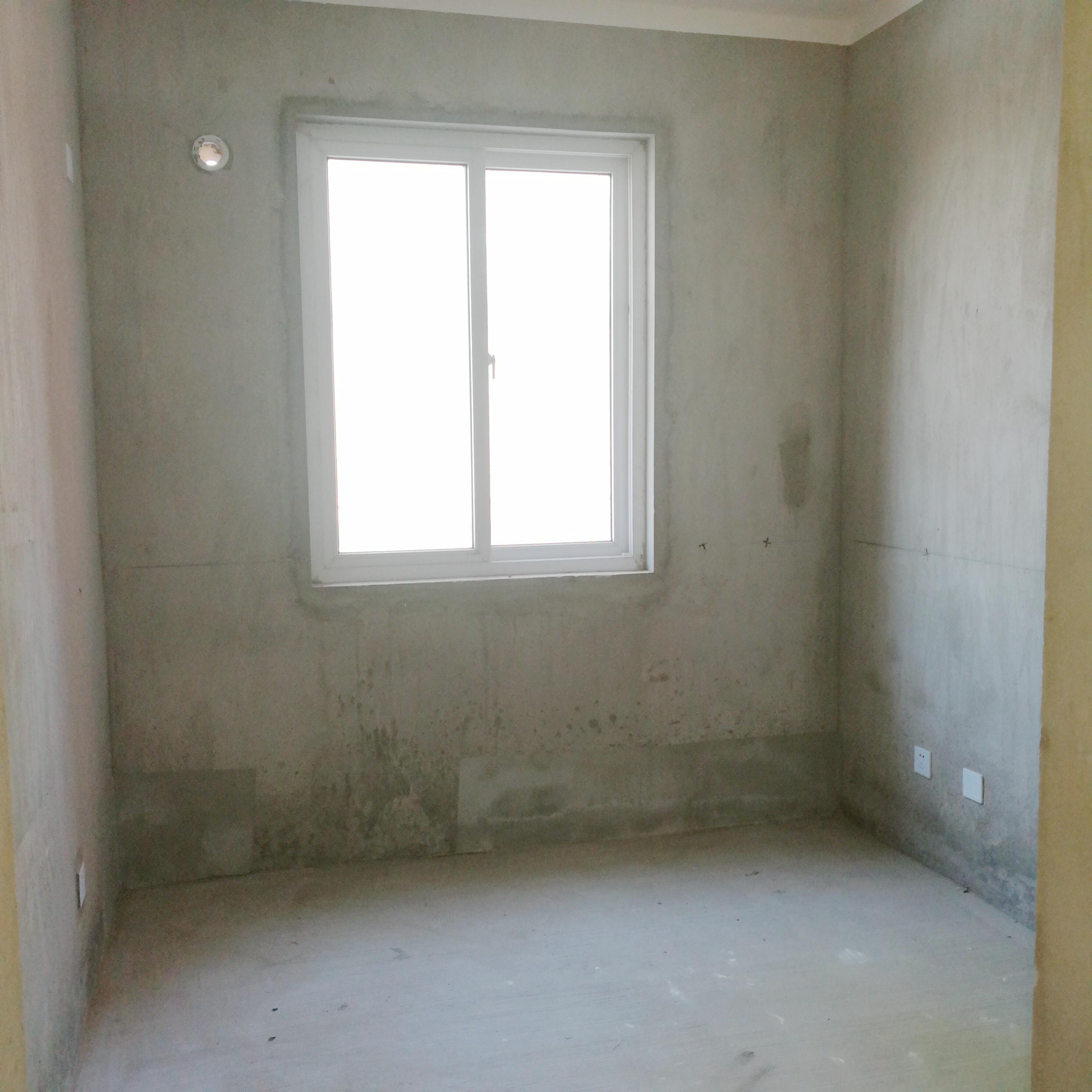 英伦联邦100平米3室毛坯房出售_5