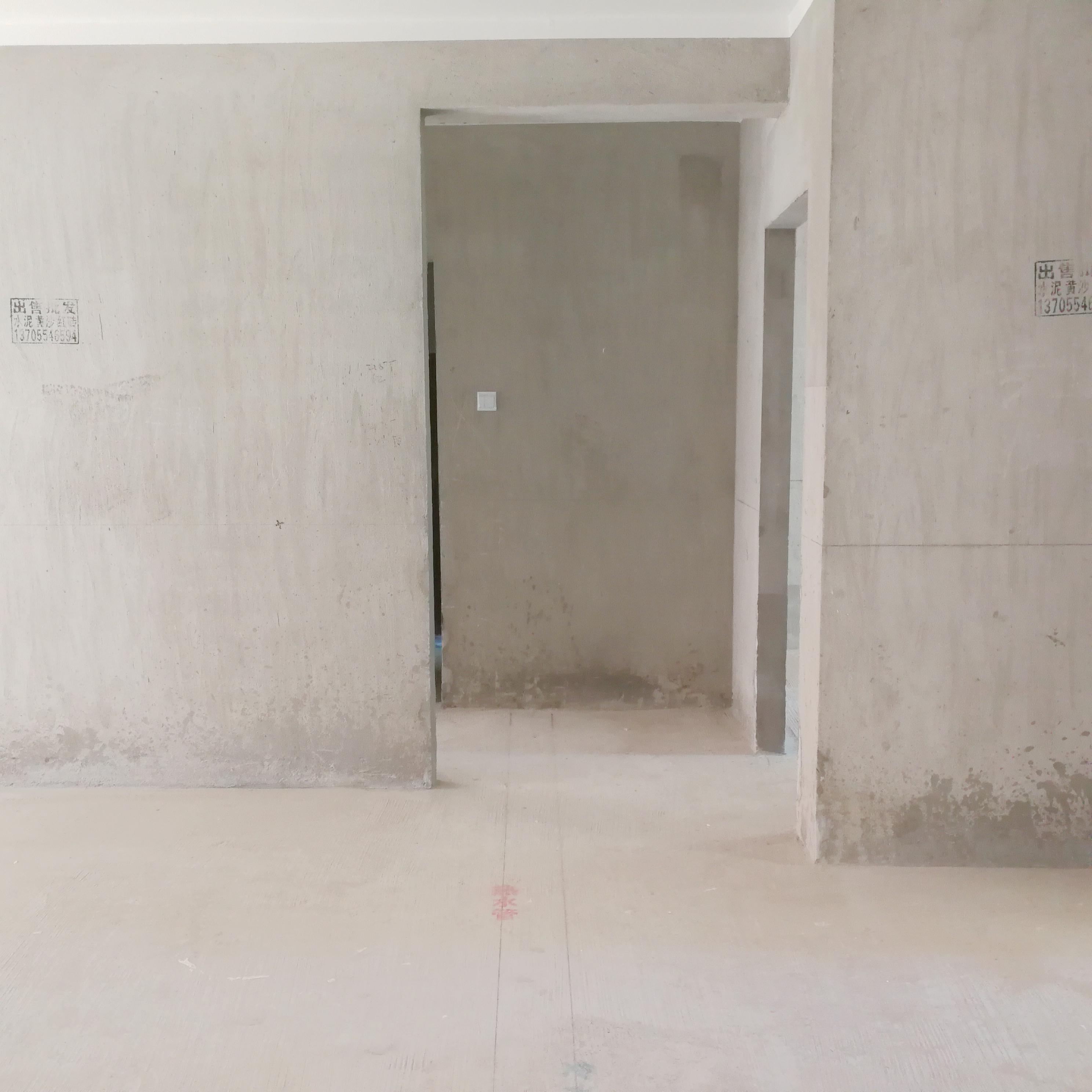 英伦联邦100平米3室毛坯房出售_1