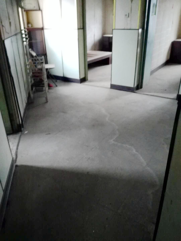 江陈小区61.1平米2室简装出售