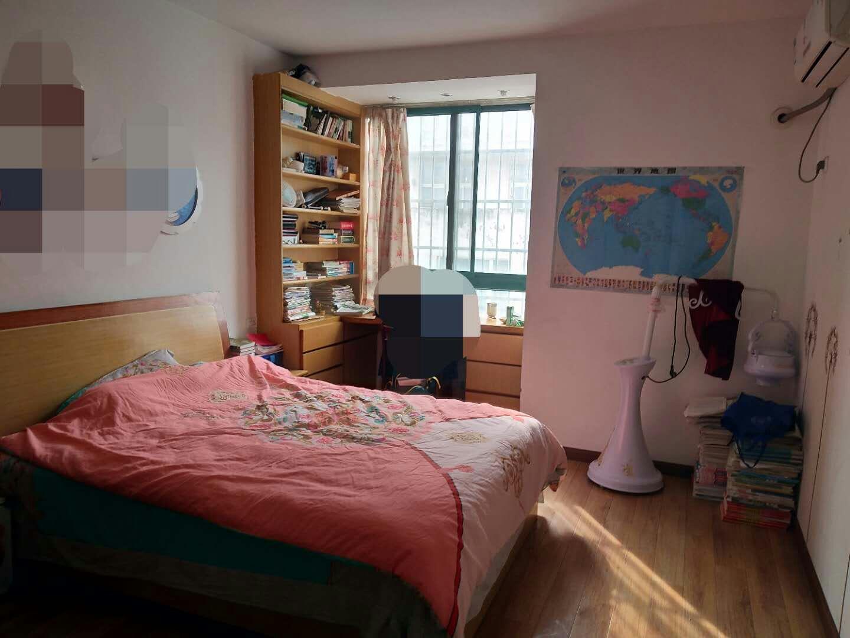 舜耕园三区90平米2室多层中装房出售!