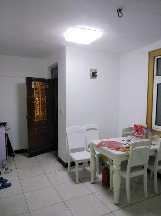 洞泉小区两室一厅简装房出租_1