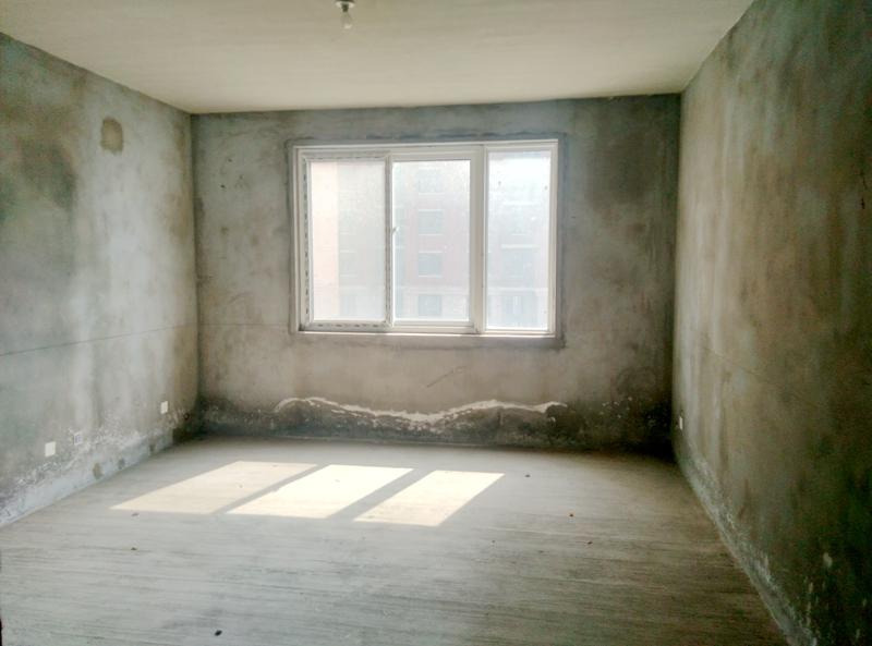 金地国际城A区135.98平米3室毛坯出售
