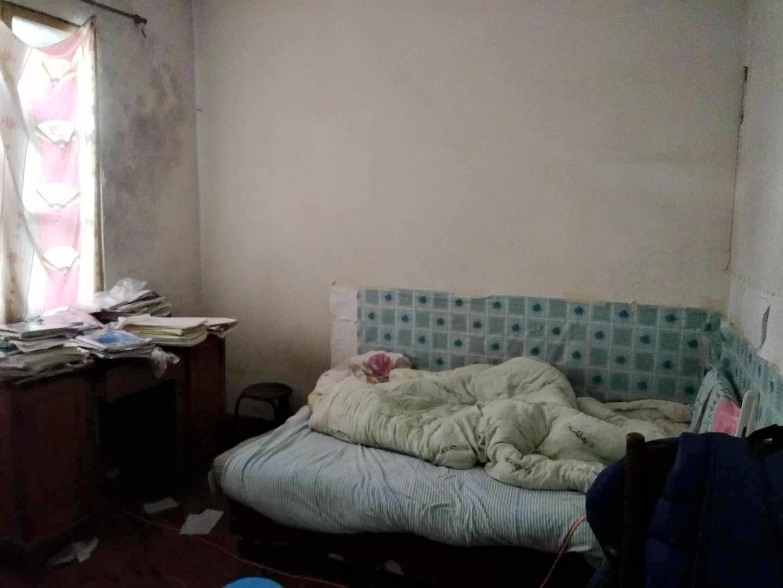 裕安小区67平米2室简装低价出售