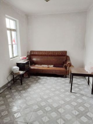 邮电大院62平米两室急售_6