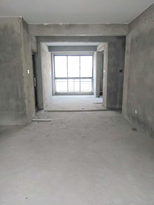 半山家园3室2厅全新毛坯出售