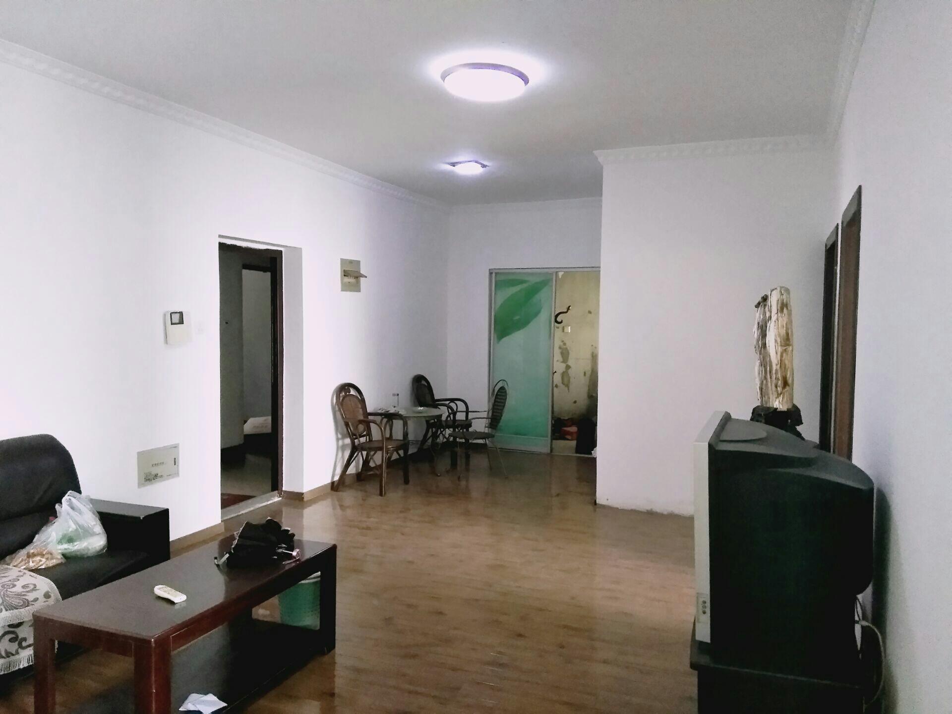 财富中心 107平米 简装2室 适合办公 家具齐全_2