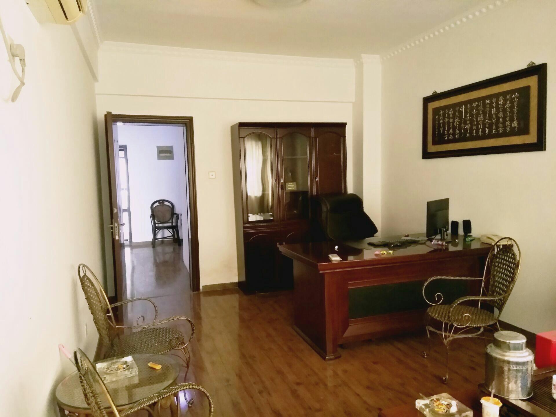 财富中心 107平米 简装2室 适合办公 家具齐全_4