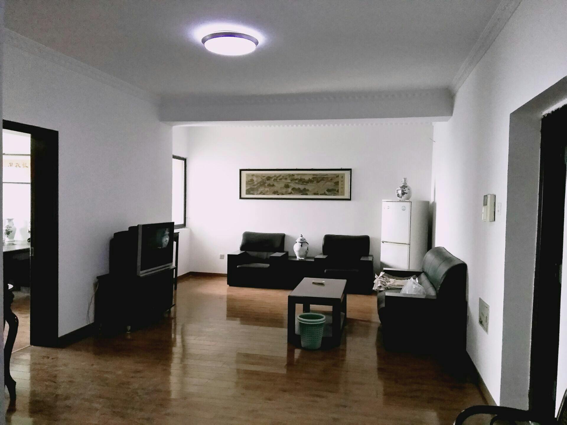 财富中心 107平米 简装2室 适合办公 家具齐全_1