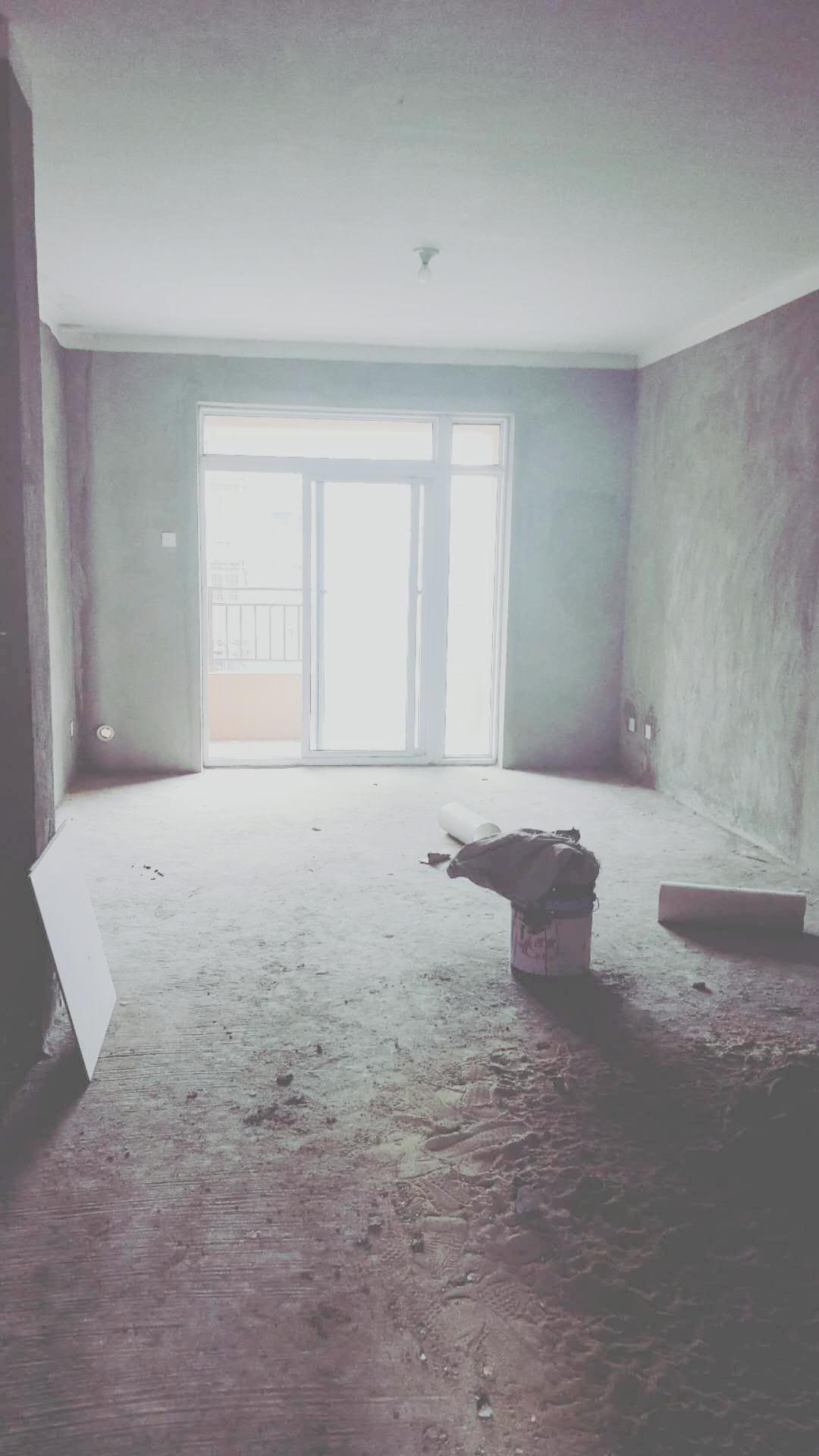 龙湖中心毛坯三房出售_1