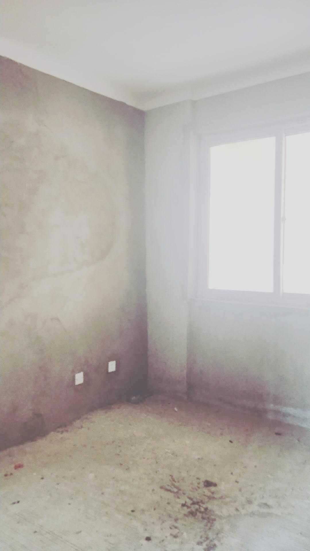 龙湖中心毛坯三房出售_6