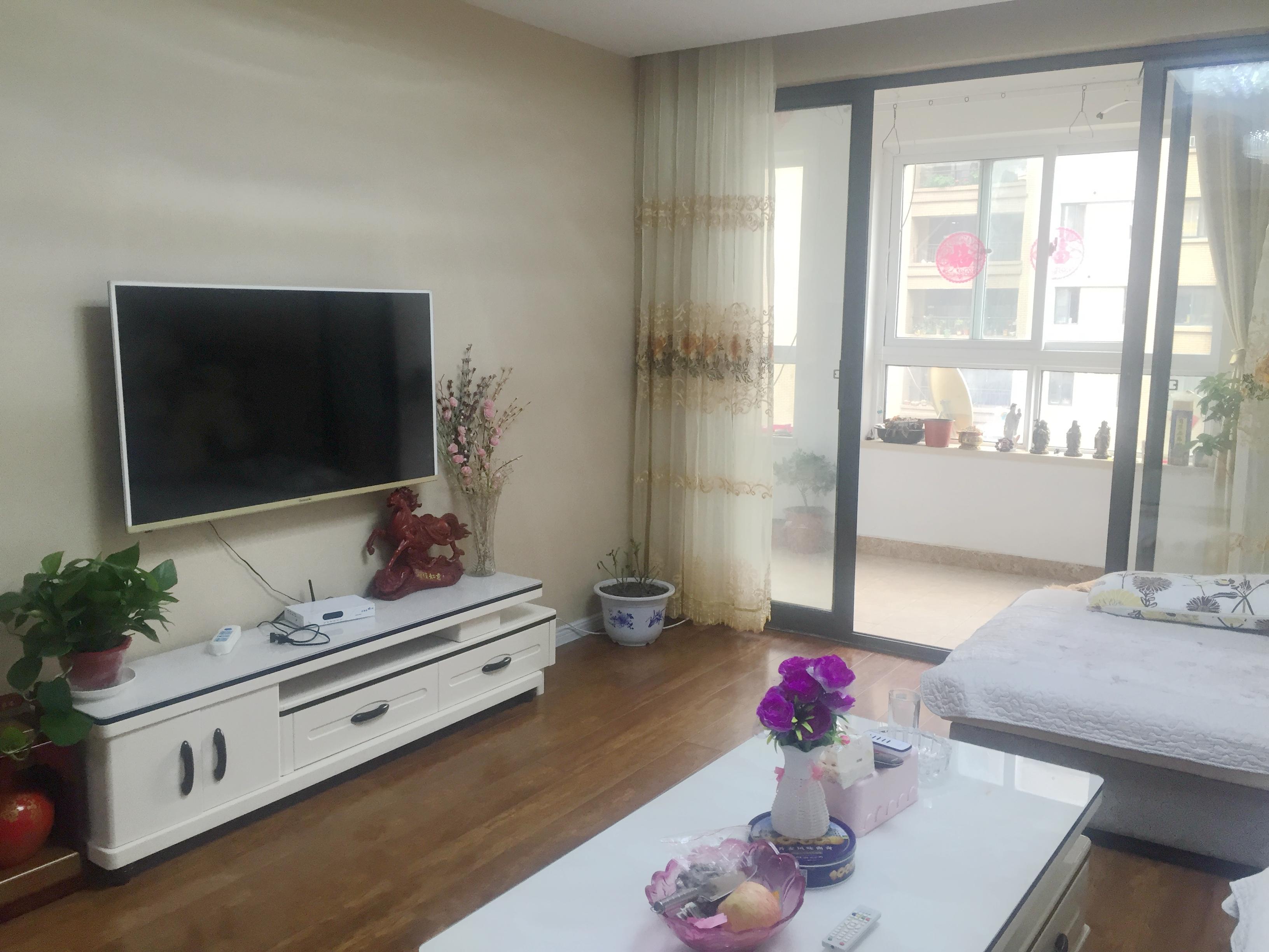 淮河新城四期 三室两厅 精装修 保持新 学区房