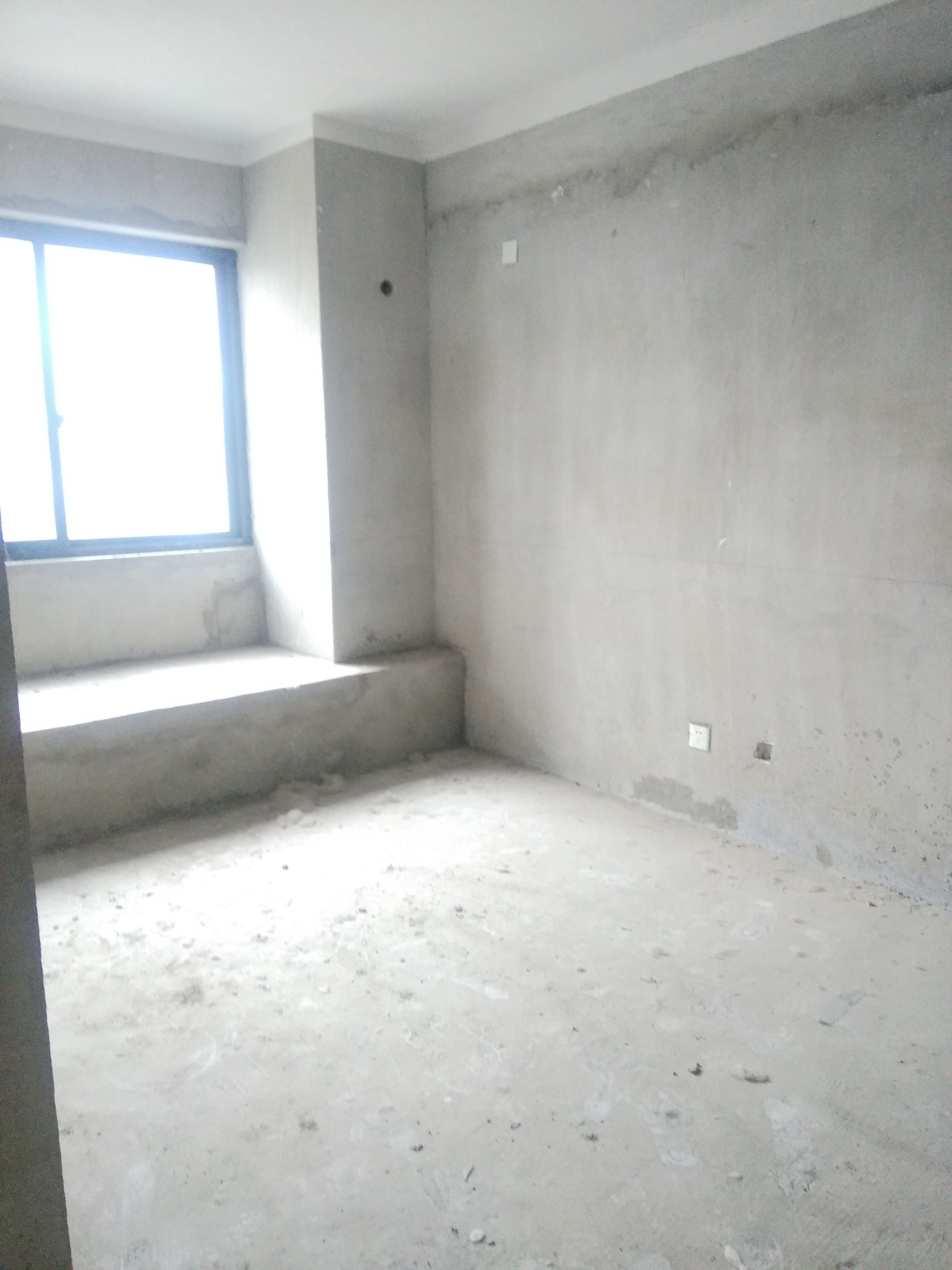 志高壹代城 3室2厅 新毛坯房 发财楼层 随时看房 老证