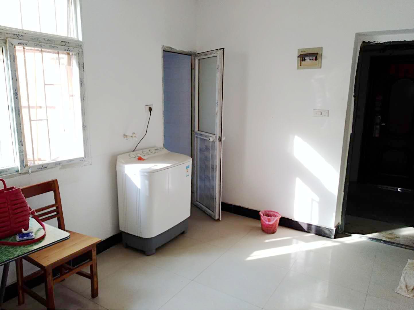 洞泉小区2室1厅简装吉房出租