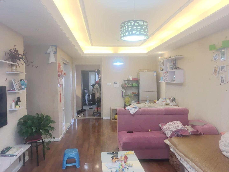 淮河新城四期精装修三室两厅中间层龙湖校区紧缺吉房出售