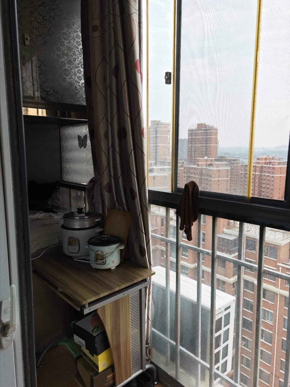 金地国际城A区精装1室1厅急售均价超低,双阳台房子保持的很好_11
