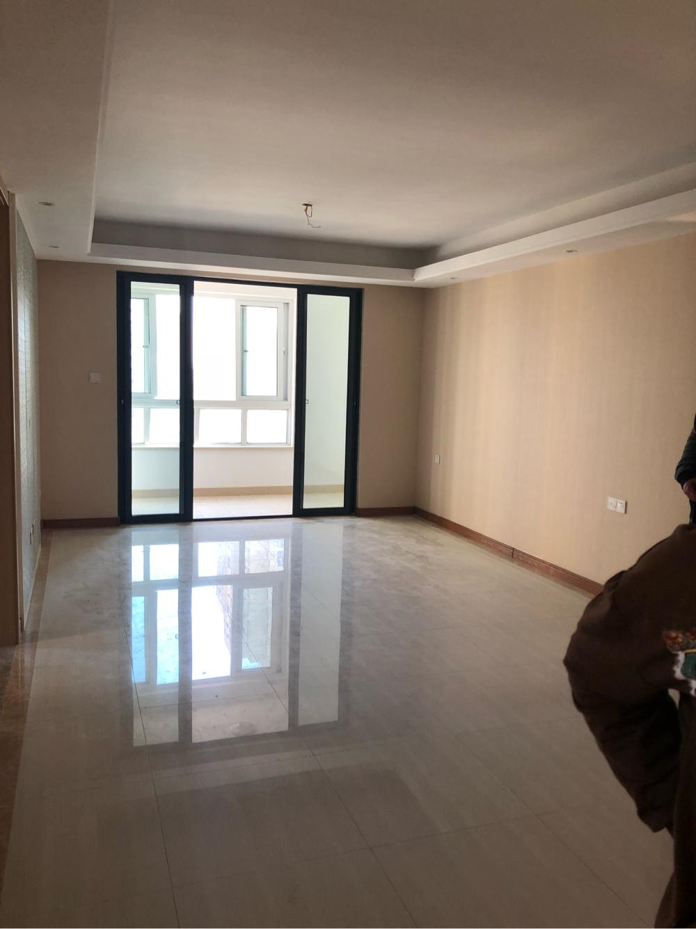 淮河新城五期新房出租房东不愿意租给住家的 想租给开公司作办公室用的 _2