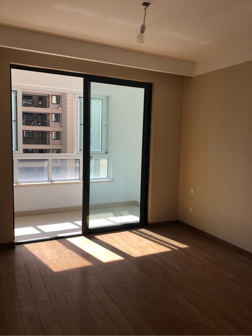 淮河新城五期新房出租房东不愿意租给住家的 想租给开公司作办公室用的 _6