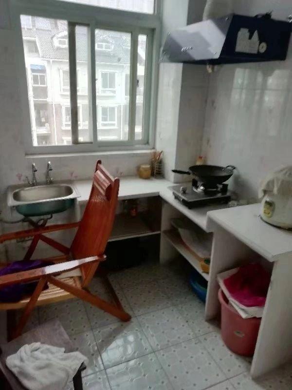 新城区宾阳小区60平米一室一厅,临近农贸市场_3