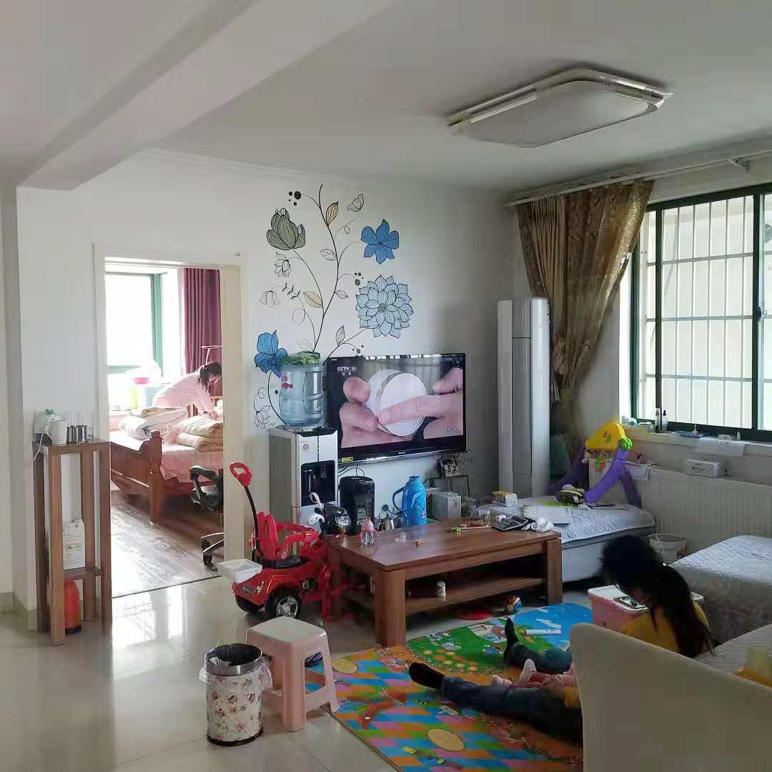 新光花园138.13平米三室两厅精装出售