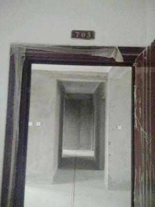 山南南山院3室2厅117平毛坯中间层急售_9