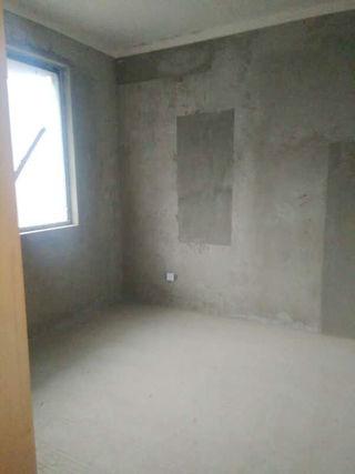 山南南山院3室2厅117平毛坯中间层急售_4