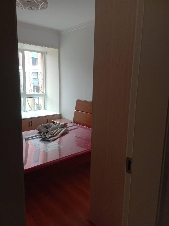 英伦联邦3室2厅92平方精装修吉房出租_2