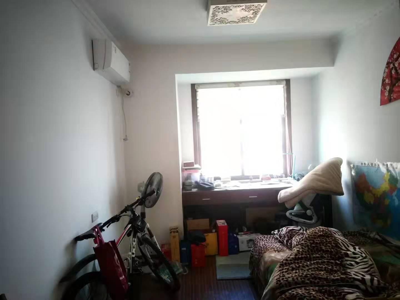 精装三室两厅中间层_14