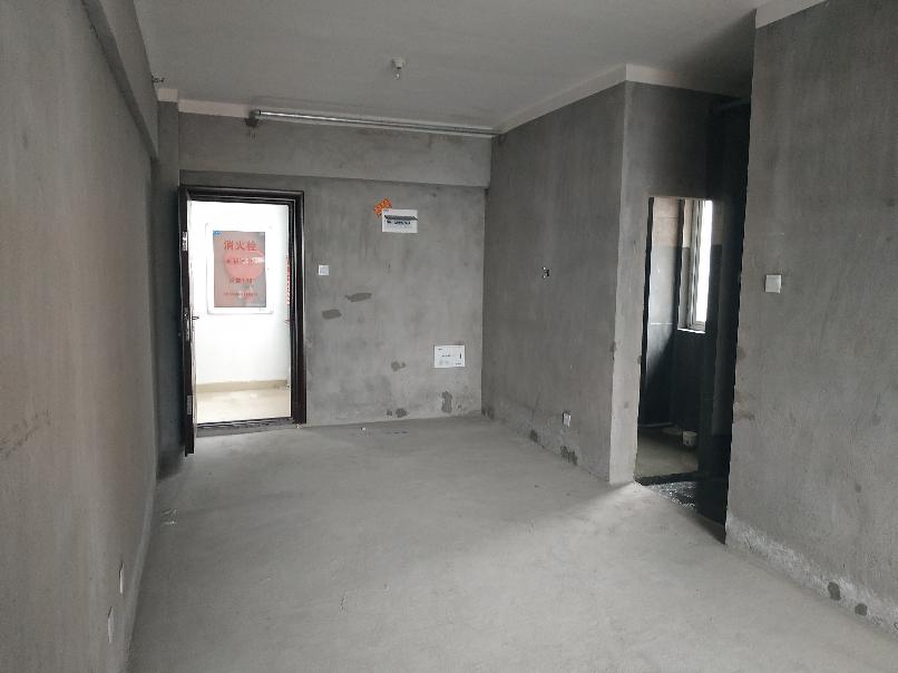 英伦联邦47平方毛坯公寓27万_5