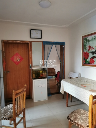 香港街商住楼2室1厅急售_3