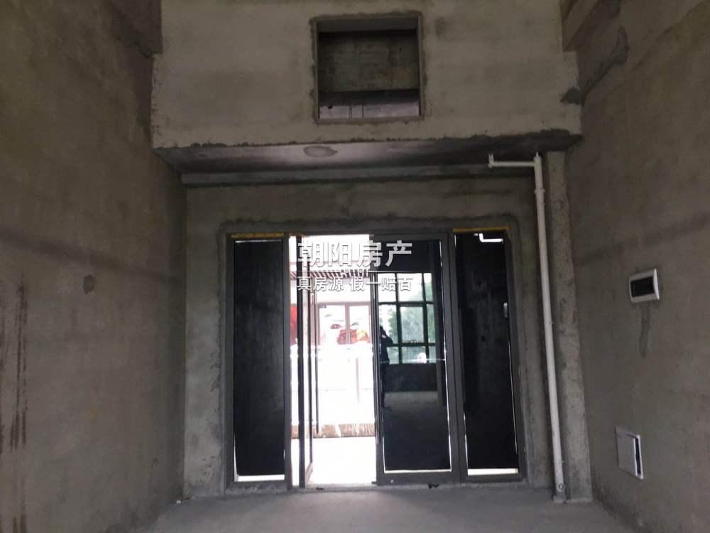 新城吾悦毛坯二楼商铺出租