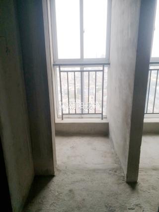 万达广场新毛坯公寓,楼层好,价格便宜_6