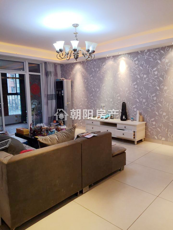 金地国际城A区4室2厅精装出售