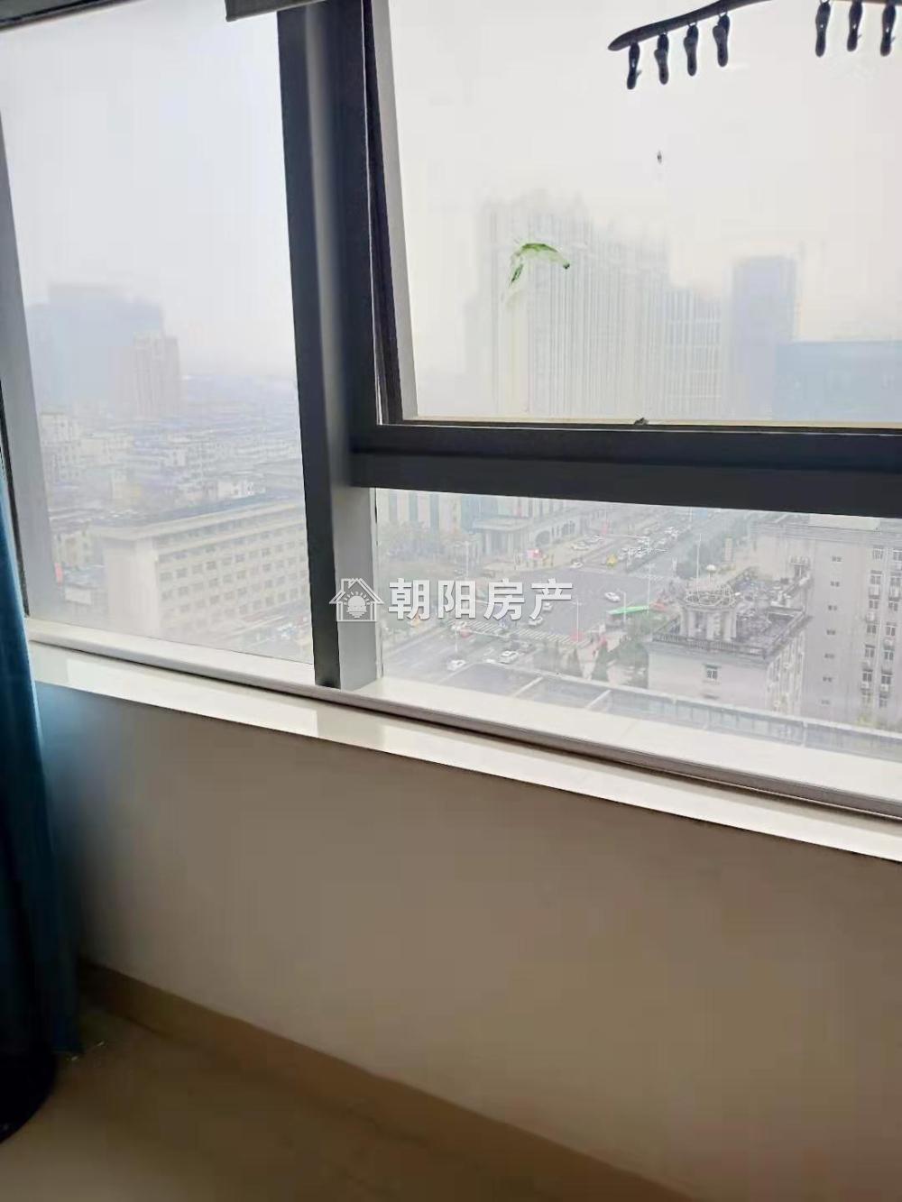 东方国际精装公寓1室1厅