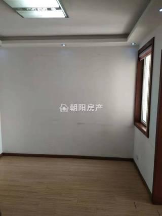 金丰易居三期简装一室一厅,多层三楼,户型周正_1