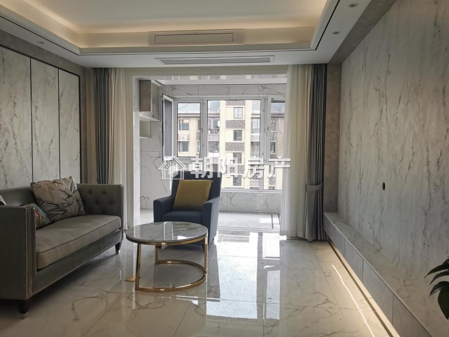 山南二中附近  南山院电梯洋房精装4室2厅2卫带中央空调出租