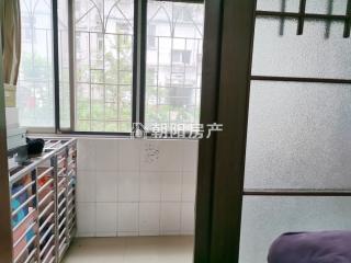 洞二小本部 广场小区多层一楼 简装两室两厅  采光好 交通便利_9