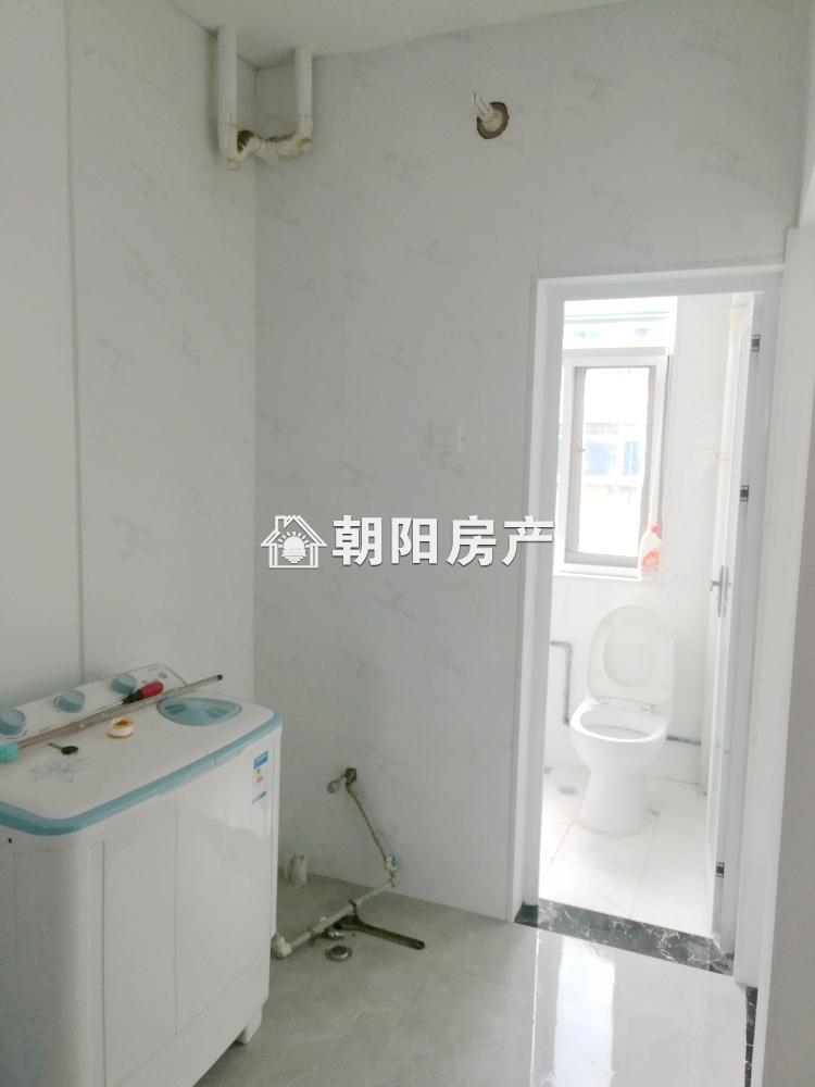 淮橡新村 两室一厅精装修家具家电齐全 采光好 交通便利